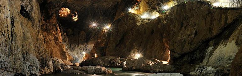 Skocjanske Park. Cuevas de Skocjan
